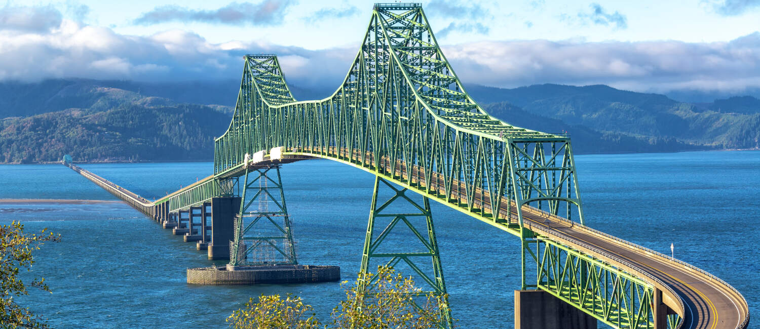 ENJOY ICONIC VIEWS FROM OUR UNBEATABLE LOCATION STEPS FROM THE MAGNIFICENT ASTORIA-MEGLER BRIDGE